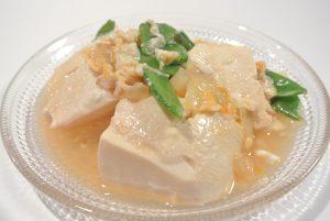 絹ごし豆腐と揚げ玉の卵とじ