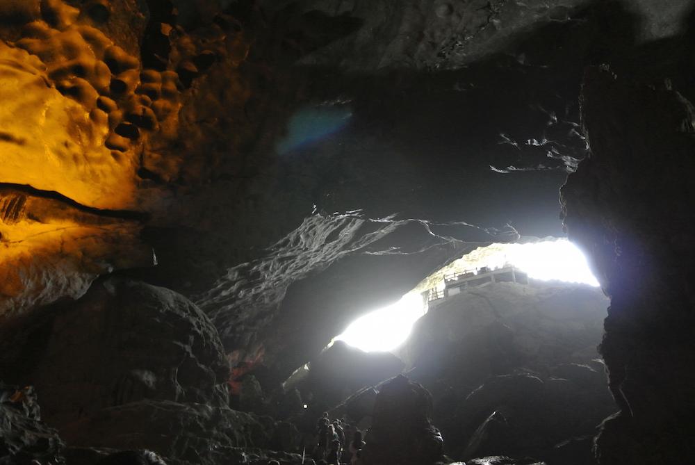 Sung Sot Cave(スン ソット洞窟)